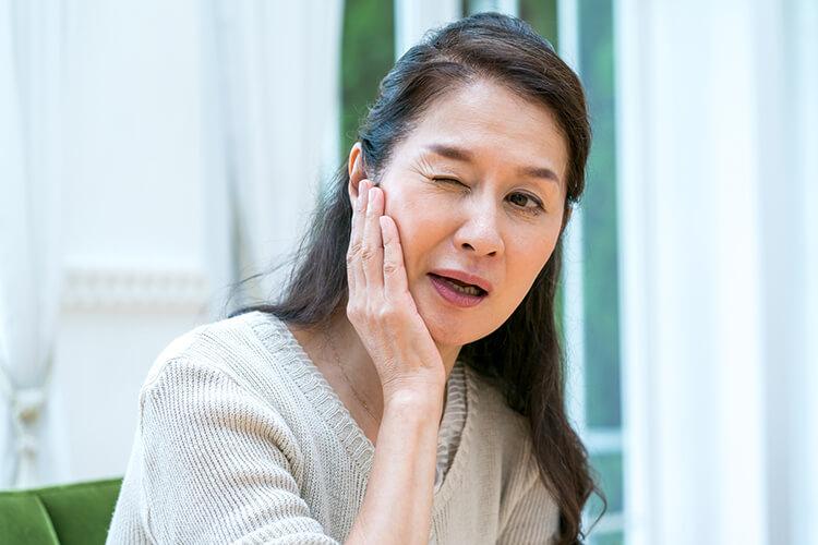 インビザラインで治る症例の上の歯が出ている