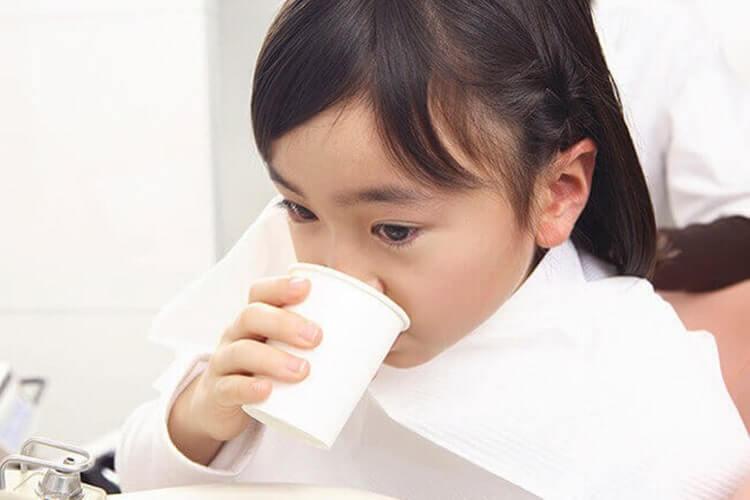 インビザラインで治る症例の下の歯が出ている